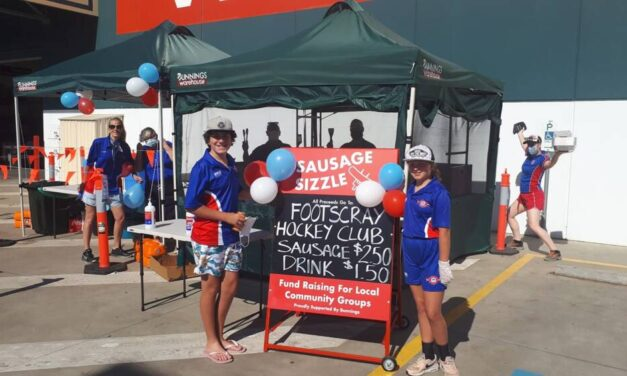 BUNNINGS SAUSAGE SIZZLE READY TO ROCK