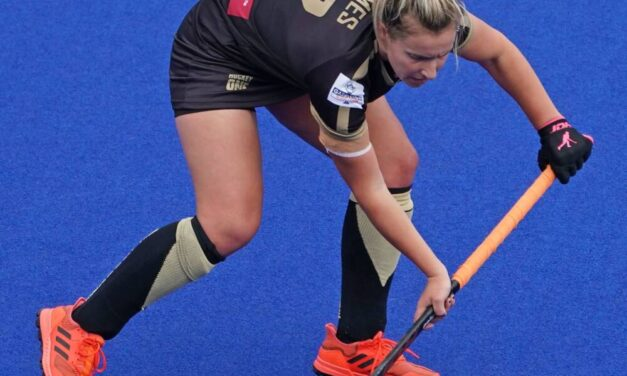HOCKEY CLUB MELBOURNE RECOGNISES CARLY'S 400th